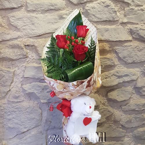 Ramo de tres rosas con osito.. Floristeria Barcelona